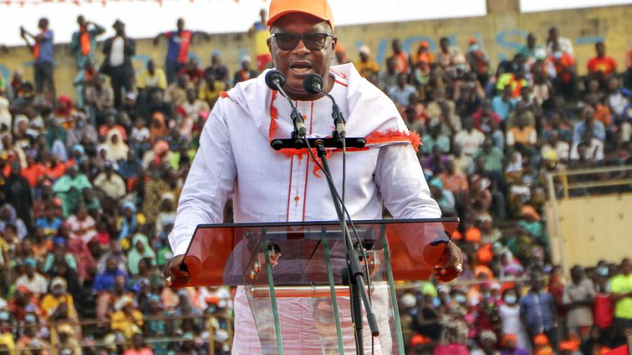 Kabore rallies Ouagadougou in final push for re-election